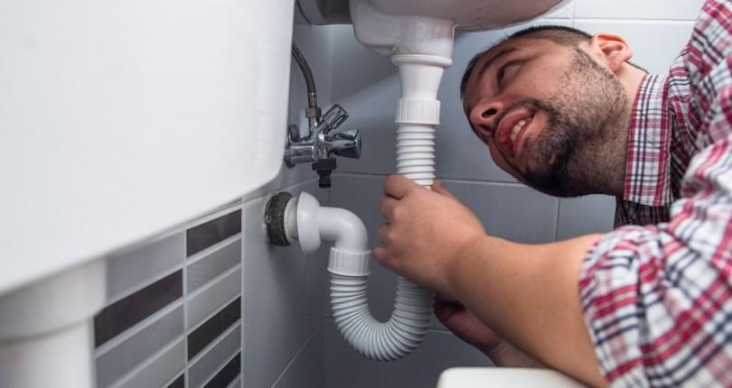 Plomberie : qui paie les réparations entre le locataire et le propriétaire ?